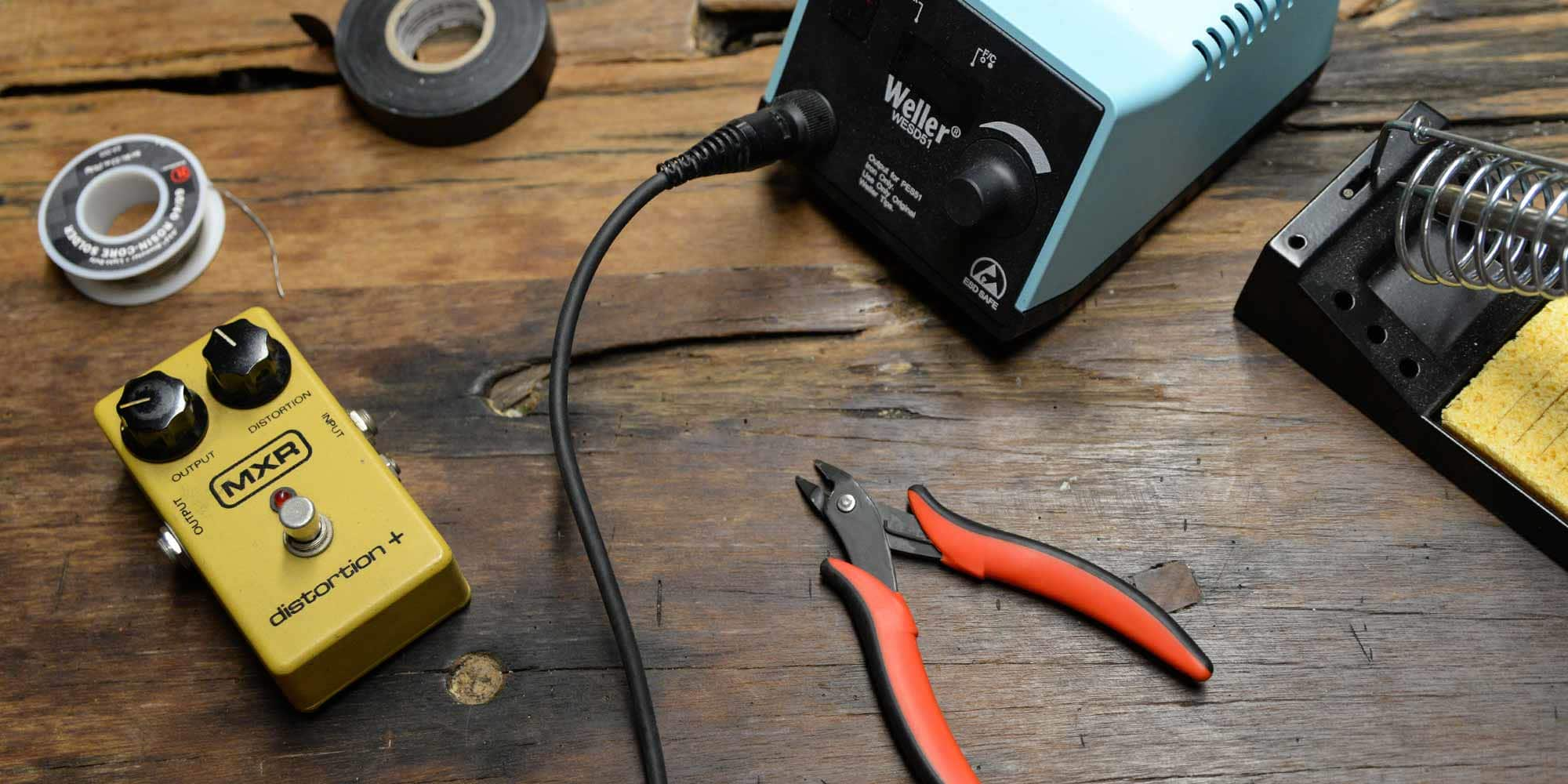 Effects Pedal Repairs Simple Stompbox Fixes You Can Do Reverb News Kontakt Pcc Printed Circuit Board Cleaning Spray Esd Shop Pedals Have Become Such An Integral Part Of The Modern Guitarists Sound That Many Us Use Several To Create Our Basic Tone