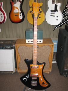 Roden Bass 70's black image