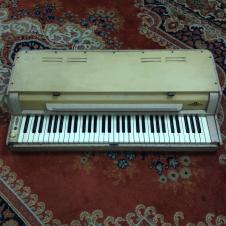 Wurlitzer 120 Electric Piano 1950's image