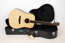 Eastman AC420 Solid Top Acoustic Guitar with Hard Case s67089 image
