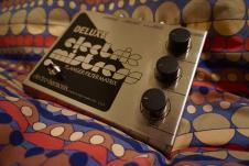 Electro-Harmonix Deluxe Electric Mistress image