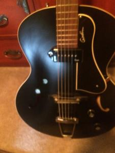2014 Godin 5th Avenue Kingpin. Acoustic/Electric Archtop in Excellent Condition image