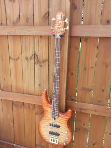 2004 Yamaha BB-G4 Honey Sunburst Bass Guitar Quilted Maple Su image