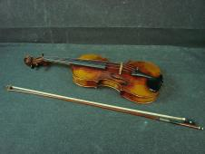 Georg Klotz 4/4 Violin W/Case and Bow image