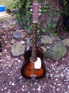 Kingston acoustic vintage parlor 50-60s sunburst brown guitar image
