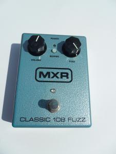 MXR BC108 Silicon Fuzz  Sea Foam Green image
