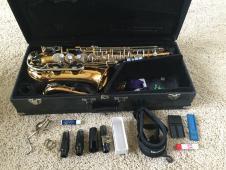 Vito Alto Saxophone 1990s Brass, laquer image