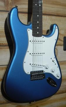 New Fender® Standard Stratocaster Rosewood Fingerboard Lake Placid Blue image