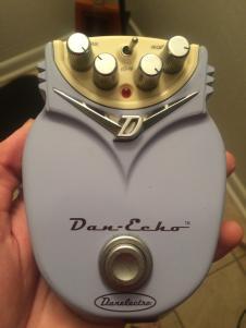 Danelectro Dan Echo 2000s Pink image