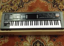 Roland GW-8 Workstation Synthesizer image