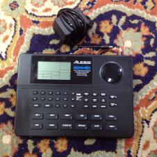 Alesis SR-16 Stereo Drum Machine image