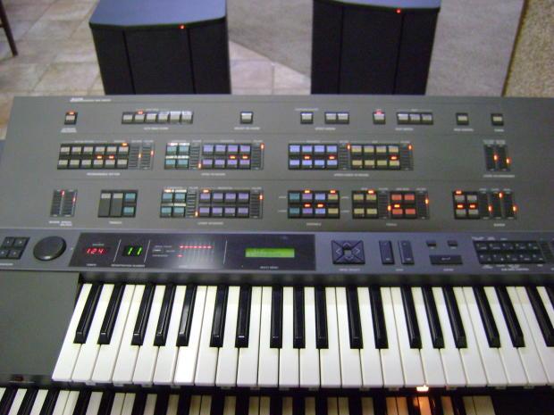 Reduced price yamaha electone hx5 grey with yamaha powered for Yamaha cs1x keyboard