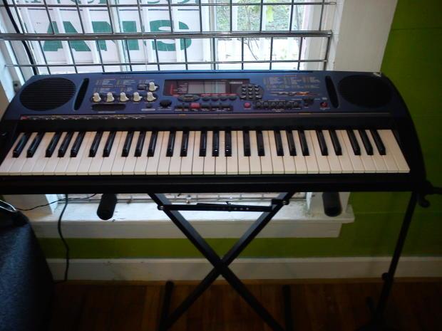 Yamaha djx 61 key full size keyboard midi sampler for Yamaha cs1x keyboard