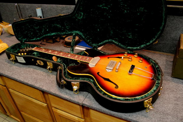 Gibson Hollow Body Sunburst Hollow Body in Sunburst