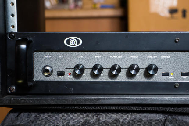 ampeg b2r bass guitar amplifier head 200w w rackmount case reverb. Black Bedroom Furniture Sets. Home Design Ideas