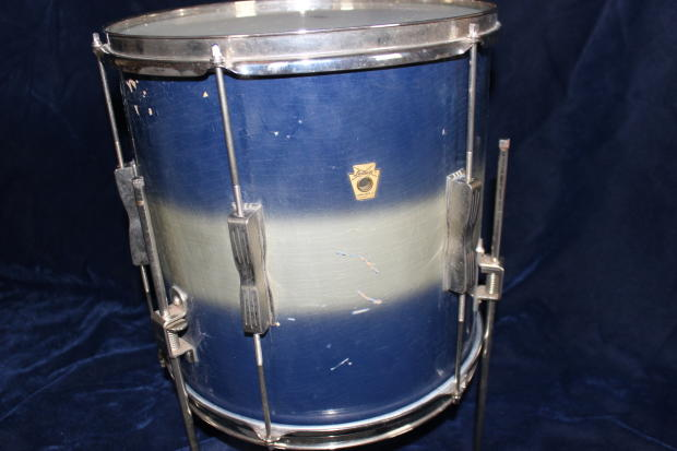 Lacquer Finish W White Interior Clear Interior On The Bass Drum