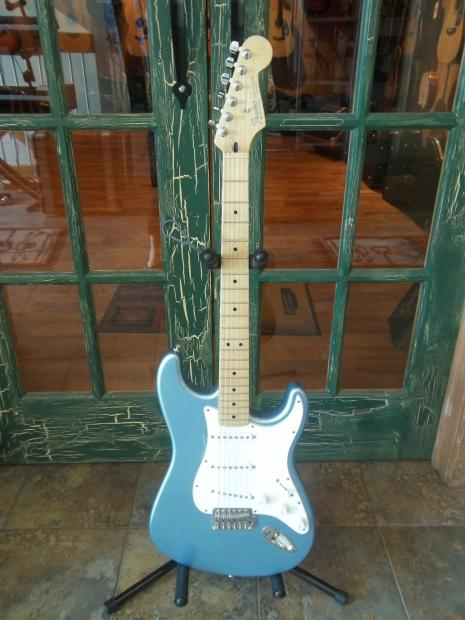 fender mexican stratocaster solid body electric guitar in light blue reverb. Black Bedroom Furniture Sets. Home Design Ideas