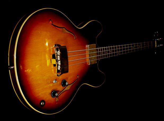 Gibson Hollow Body Bass The Es-335 Hollow Body Bass
