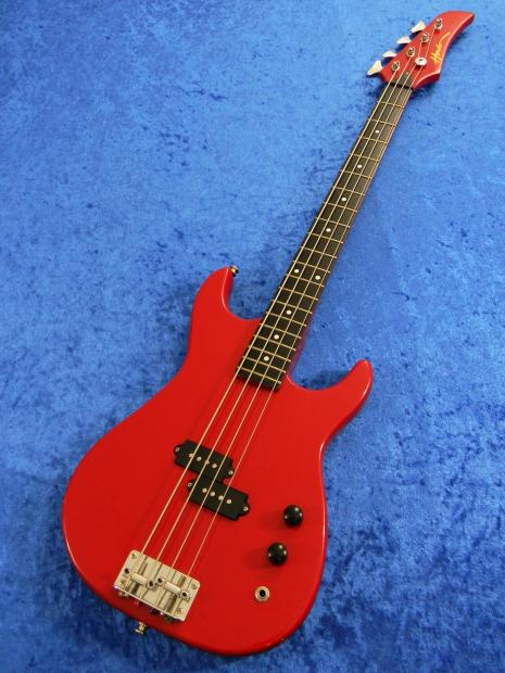 hondo vintage 1988 ferrari red small body bass guitar 30 inch scale neck p pickups image. Black Bedroom Furniture Sets. Home Design Ideas