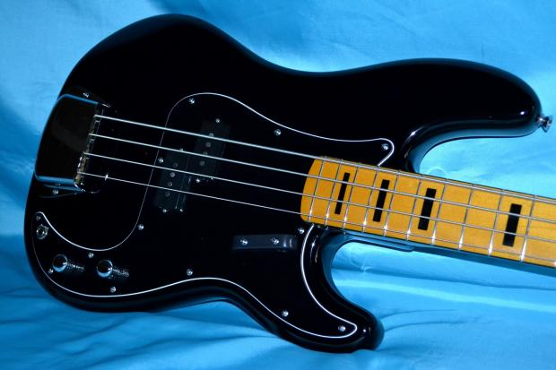 Squier Classic Vibe Bass Squier Classic Vibe Precision