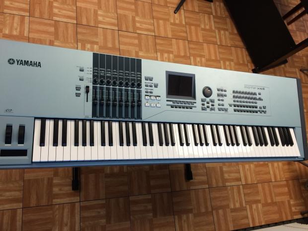 Yamaha motif xs8 88key fully weighted w hard case image for Yamaha motif xs8 specs