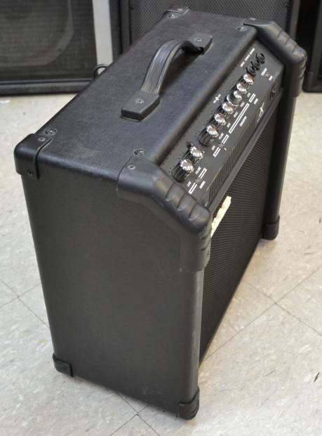 ibanez tbx30r tone blaster x guitar combo amp amplifier 30w 1x10 reverb. Black Bedroom Furniture Sets. Home Design Ideas