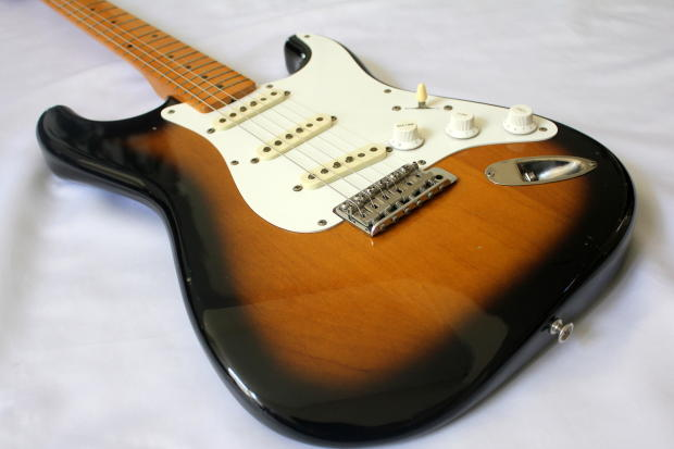 Vintage Guitars Info - Fender, collecting vintage guitars