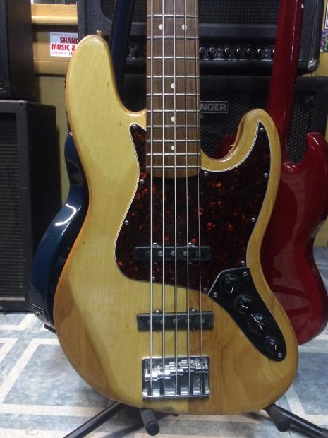 fender jazz deluxe series 5 string electric bass with active pickups 2006 clear coat wood finish. Black Bedroom Furniture Sets. Home Design Ideas