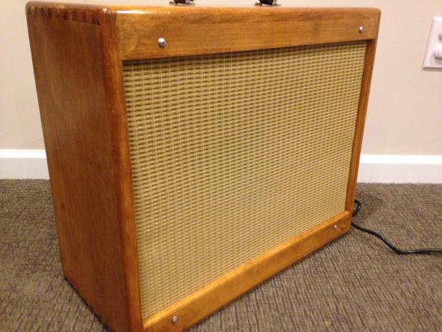 Fender Blues Junior Unloaded Cabinet W 1x12 Amp 2x10 Baffles