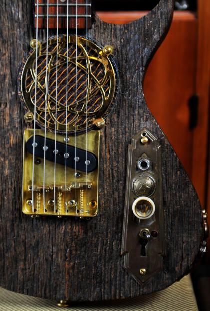 postal handmade barn wood traveler mini travel electric guitar built in amp and speaker reverb. Black Bedroom Furniture Sets. Home Design Ideas