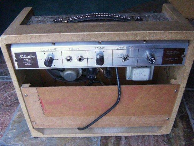silvertone vintage guitar tube amplifier amp 1391. Black Bedroom Furniture Sets. Home Design Ideas
