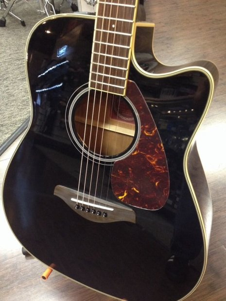 Yamaha fgx720sca black acoustic electric guitar floor for Yamaha fgx720sca price