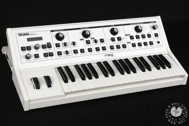 moog little phatty analog synthesizer with factory cv out