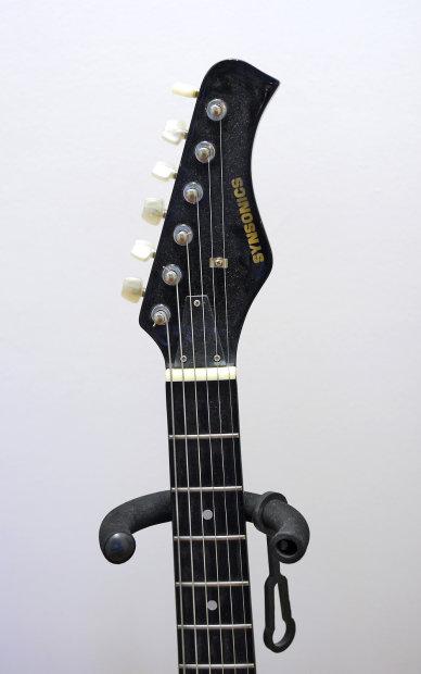 1980s synsonics terminator electric guitar w built in amp killer reverb. Black Bedroom Furniture Sets. Home Design Ideas