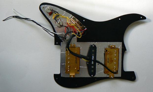 fender modern player stratocaster hsh loaded pickguard. Black Bedroom Furniture Sets. Home Design Ideas