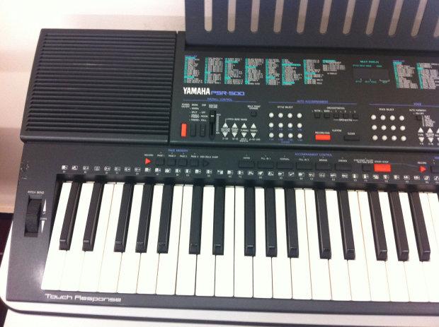 yamaha psr 500 61 key electronic keyboard w power supply. Black Bedroom Furniture Sets. Home Design Ideas