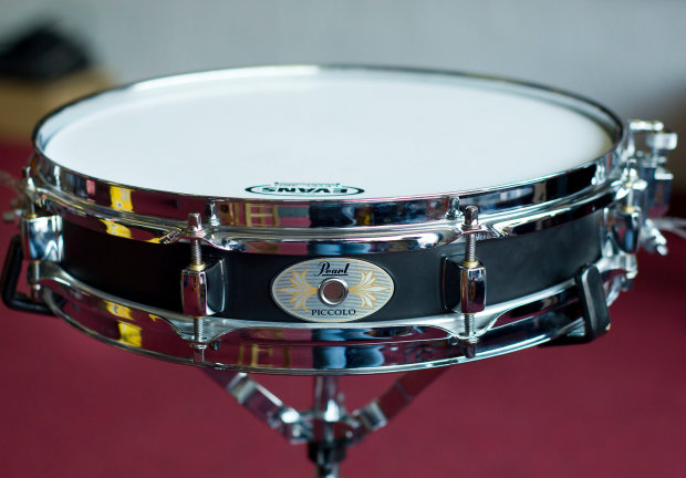 pearl 13 x 3 black steel piccolo snare drum w evans head 8 lug reverb. Black Bedroom Furniture Sets. Home Design Ideas