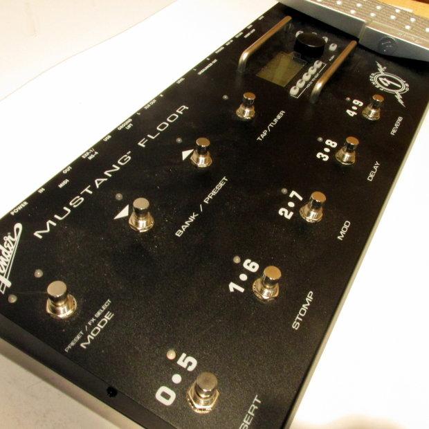 Fender Mustang Floor Board Multi Effects Modeling Guitar