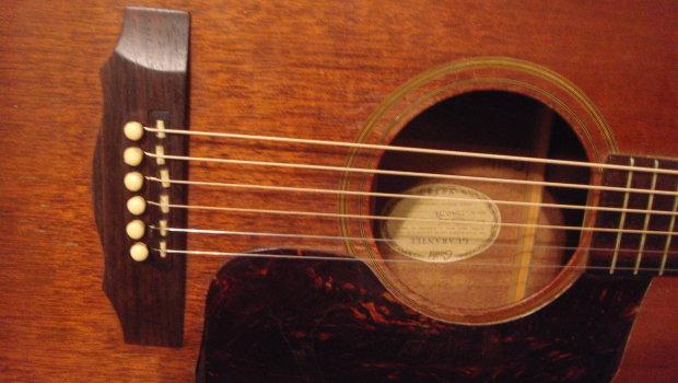 Vintage 1972 Guild D 25 Acoustic Guitar W Intonated