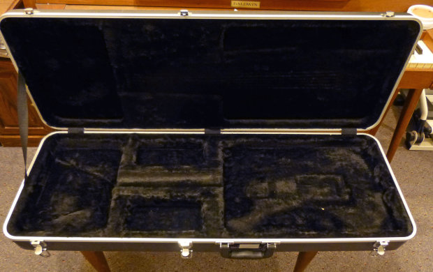 gator molded electric guitar case for strat telecaster like new reverb. Black Bedroom Furniture Sets. Home Design Ideas