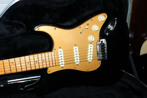 Fender American Deluxe Stratocaster 50th Yr Anniversary S