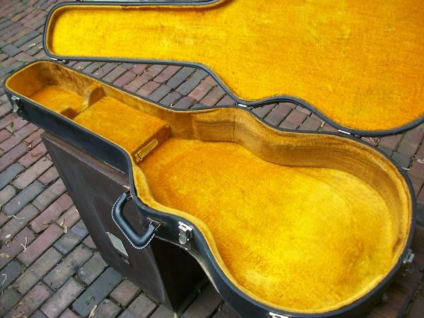 victoria luggage company guitar case gibson fender guild mosrite 1960 39 s black yellow reverb. Black Bedroom Furniture Sets. Home Design Ideas