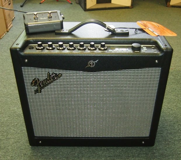 fender mustang iii v2 1x12 combo amp with built in effects with footswitch reverb. Black Bedroom Furniture Sets. Home Design Ideas