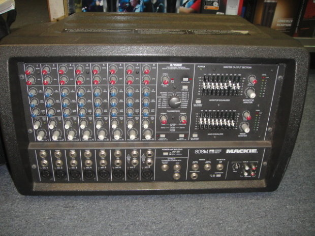 Mackie 808m Fr Series Powered Mixer 2 X 600 Watts With