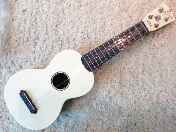 vintage 1950s maccaferri islander uke ukulele near mint nos cord master box manuals reverb. Black Bedroom Furniture Sets. Home Design Ideas