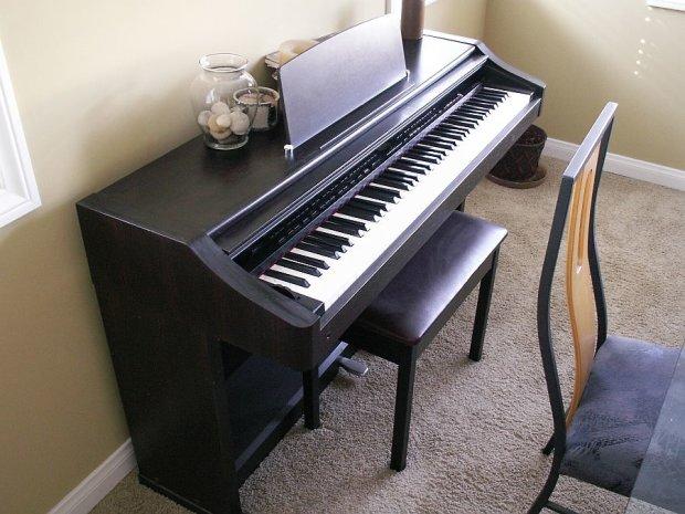 roland kr 3500 digital intelligent piano 1994 walnut reverb. Black Bedroom Furniture Sets. Home Design Ideas