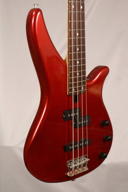 red yamaha rbx 170 rbx170 electric bass guitar with a roadrunner gig bag near mint condition. Black Bedroom Furniture Sets. Home Design Ideas