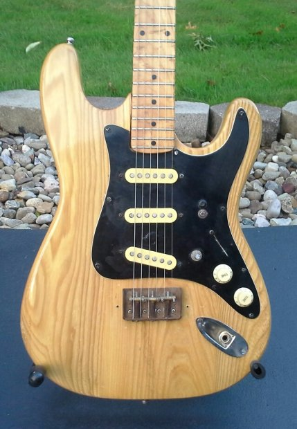 Extremely Rare Vintage Hondo II Solid maple Lawsuit
