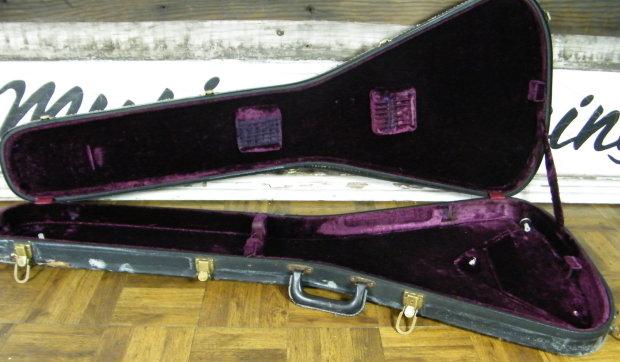 gibson flying v case medallion 1975 black purple vintage one year 1976 77 78 rare reverb. Black Bedroom Furniture Sets. Home Design Ideas