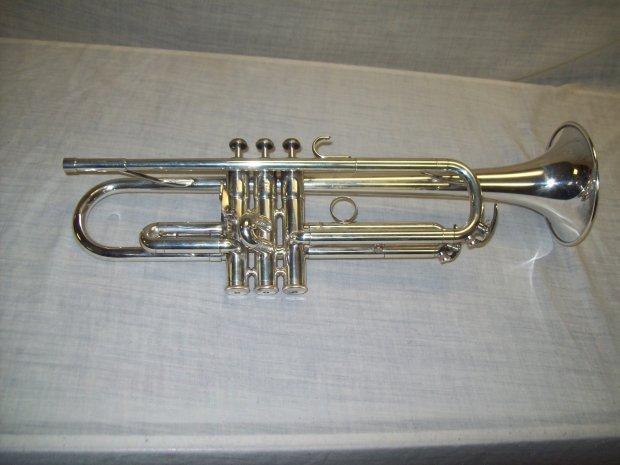 Yamaha ytr 431t silver trumpet w mouthpiece hardshell for Yamaha 7c trumpet mouthpiece